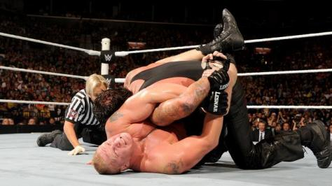 WWE Summerslam 2015 -Brock has Undertaker in Kimura lock