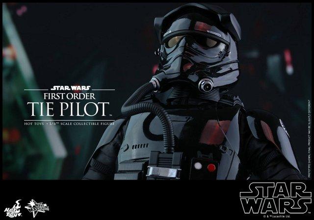 Hot Toys Star Wars Force Awakens Tie Pilot