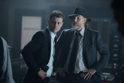 "GOTHAM: (L-R) Gordon (Benjamin McKenzie) and Bullock (Donal Logue) in the ""Rise of the Villains: Strike Force"" episode of GOTHAM airing Monday, Oct. 12 (8:00-9:00 PM ET/PT) on FOX. ©2015 Fox Broadcasting Co. Cr: FOX."