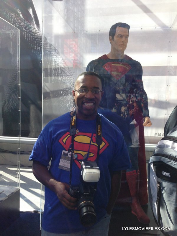 NYCC'15 - at Batman v Superman display
