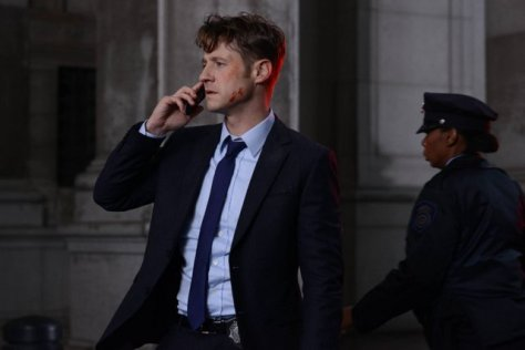 """GOTHAM: L-R: Ben McKenzie in the """"Rise of the Villains: A Bitter Pill to Swallow"""" episode of GOTHAM airing Monday, Nov. 16 (8:00-9:00 PM ET/PT) on FOX. ©2015 Fox Broadcasting Co. Cr: Nicole Rivelli/ FOX"""