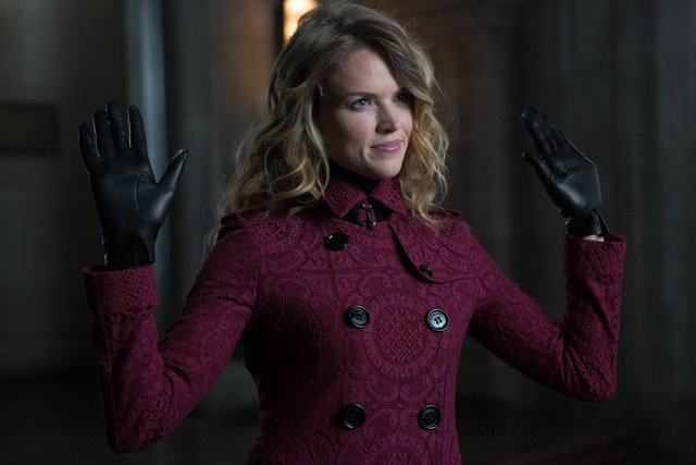 GOTHAM: L-R: Erin Richards in the ÒRise of the Villains: TonightÕs the NightÓ episode of GOTHAM airing Monday, Nov. 9 (8:00-9:00 PM ET/PT) on FOX. ©2015 Fox Broadcasting Co. Cr: Nicole Rivelli/FOX.