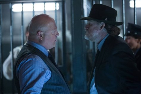 GOTHAM: L-R: Michael Chiklis and Donal Logue in the ÒRise of the Villains: TonightÕs the NightÓ episode of GOTHAM airing Monday, Nov. 9 (8:00-9:00 PM ET/PT) on FOX. ©2015 Fox Broadcasting Co. Cr: Nicole Rivelli/FOX.