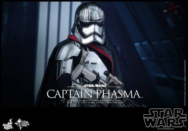 Captain Phasma Hot Toys Force Awakens figure reveal