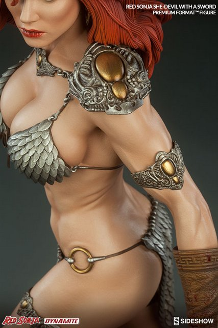 Red Sonja - She Devil with a Sword premium format -overhead shot