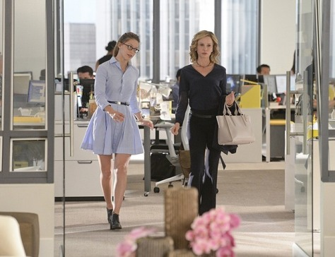 supergirl-how-does-she-do-it-melissa-benoist-calista-flockhart