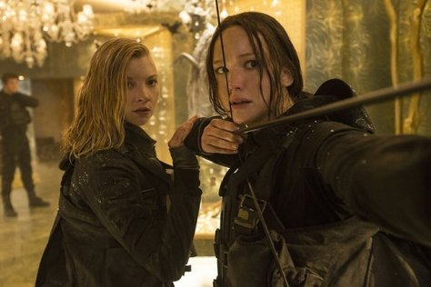 The Hunger Games Mockingjay Part II - Cresside and Katniss