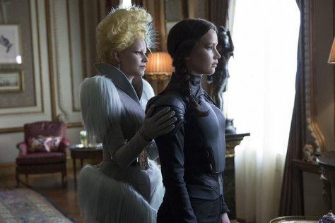 The Hunger Games Mockingjay Part II - Effie and Katniss