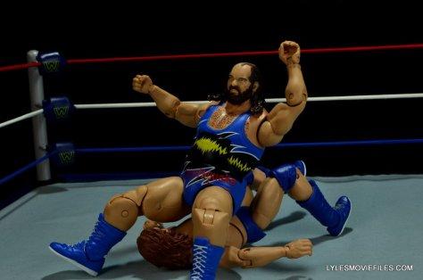WWE Mattel Earthquake -Earthquake splash to Hacksaw Jim Duggan-001