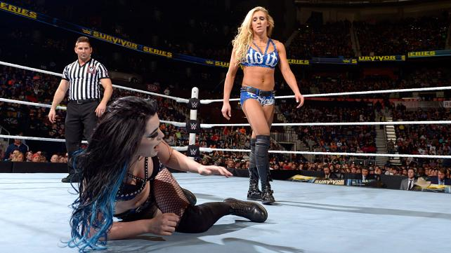 WWE Survivor Series 2015 - Paige vs Charlotte