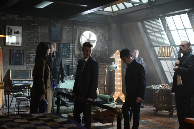 "GOTHAM: L-R: Morena Baccarin, Ben McKenzie and Robin Lord Taylor in the ""Rise of the Villains: Worse Than A Crime"" episode of GOTHAM airing Monday, Nov. 30 (8:00-9:00 PM ET/PT) on FOX. ©2015 Fox Broadcasting Co. Cr: Nicole Rivelli/ FOX"