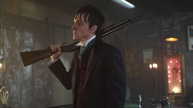 GOTHAM: L-R: Robin Lord Taylor in the ÒRise of the Villains: Worse Than A CrimeÓ episode of GOTHAM airing Monday, Nov. 30 (8:00-9:00 PM ET/PT) on FOX. ©2015 Fox Broadcasting Co. Cr: Nicole Rivelli/ FOX